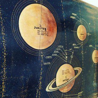 """Солнечная система ⠀60х150см ⠀холст, акрил ⠀ ⠀В этот раз картина с основными объектами солнечной системы выполнена в стиле лофт: состаренный глубокий звездный фон, планеты из """"натуральных материалов"""" 😄 и их основные характеристики в виде подписей и пояснительных сносок. А ещё планеты, спутники и Солнце светятся в темноте. ⠀ ⠀http://chibiskov.ru ⠀ ⠀#вернисажмосква #вернисаж #музеон #паркгорького #художникикрымскойнабережной #художникимосквы #художники #цдх #артмосква #ЧибисковПавел #художник #Картины #Живопись #Искусство #картинаназаказ #арт #холстакрил #паркгорького #pavelchibiskov #art #paintings  #космос #солнечнаясистема #планеты #звезды"""